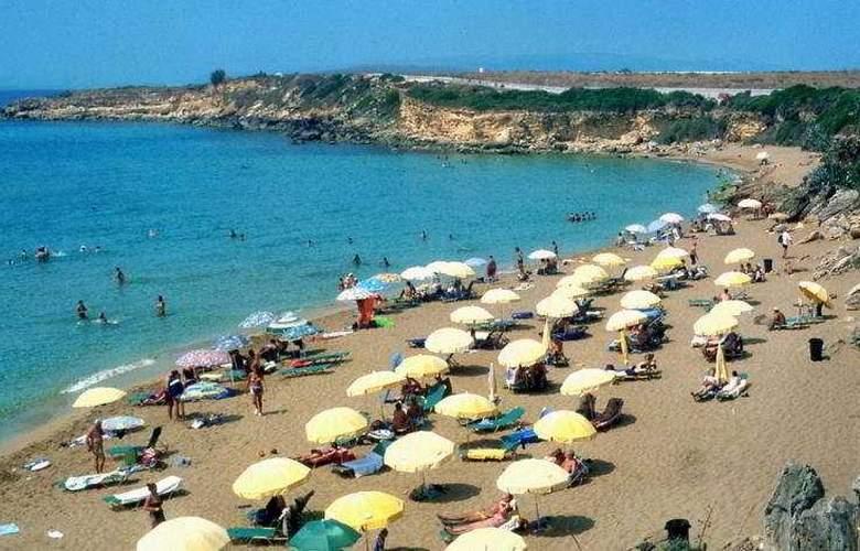 Irinna - Beach - 3