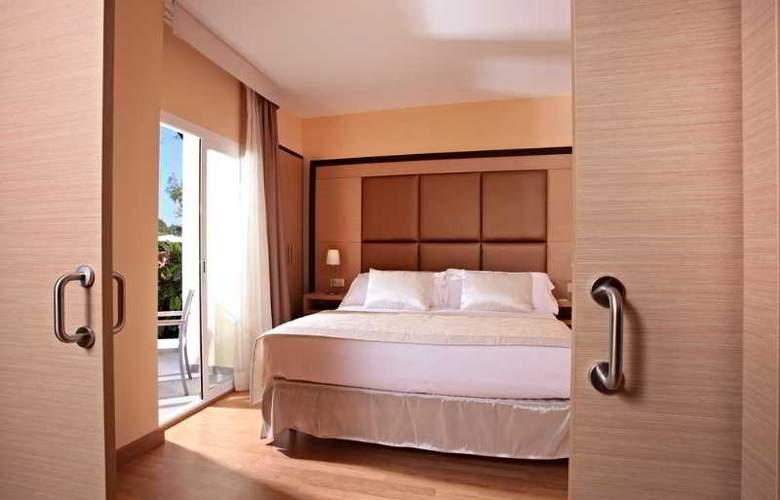 Zafiro Tropic - Room - 16
