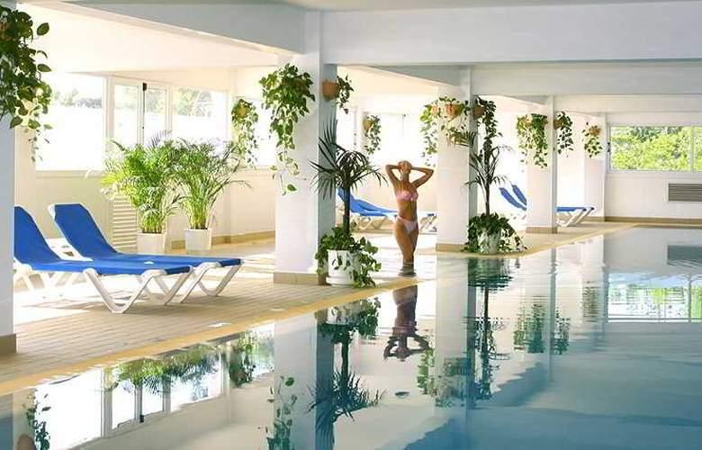 Asterias Beach - Pool - 1