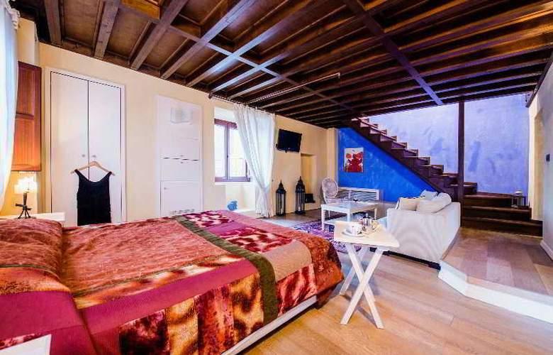 Avalon Boutique Suites - Room - 30