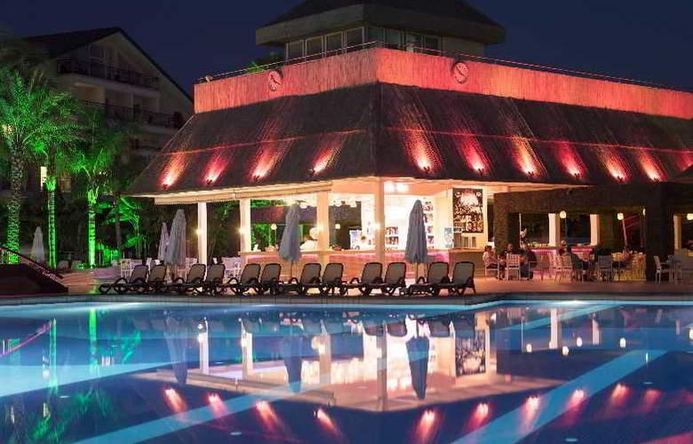 Alva Donna Hotel&Spa - Bar - 8