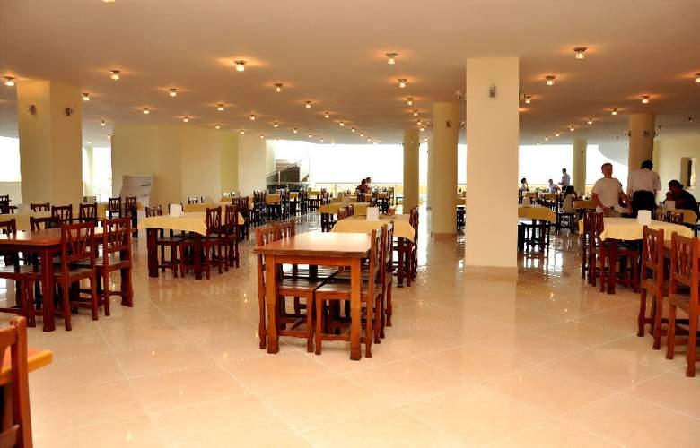 Royal Panacea Hotel - Restaurant - 9
