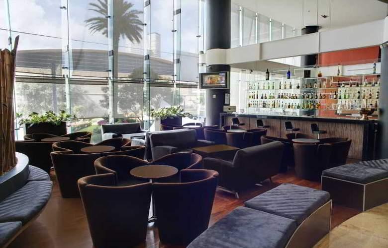 DoubleTree by Hilton Hotel México City Santa Fe - Bar - 37