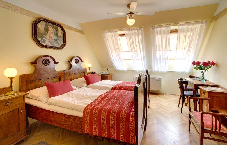 Mucha - Room - 8