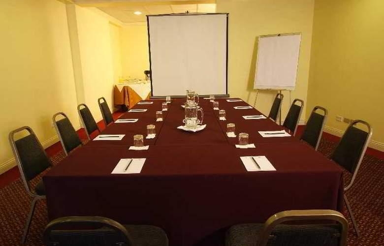 Plaza Del Bosque - Conference - 14