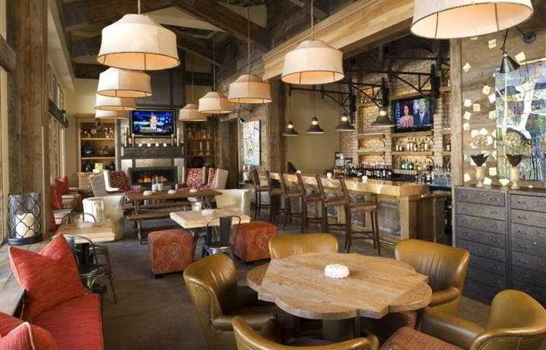 Sundial Lodge - Bar - 8