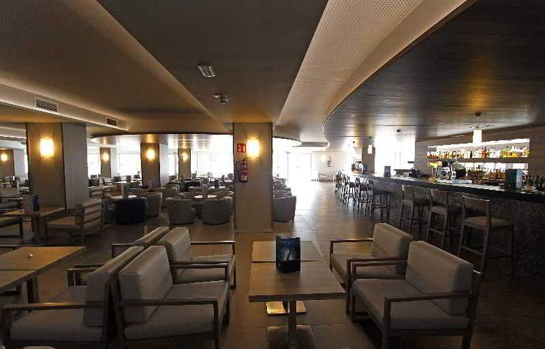 BG Tonga and Suites Tower Design Hotel - Bar - 23