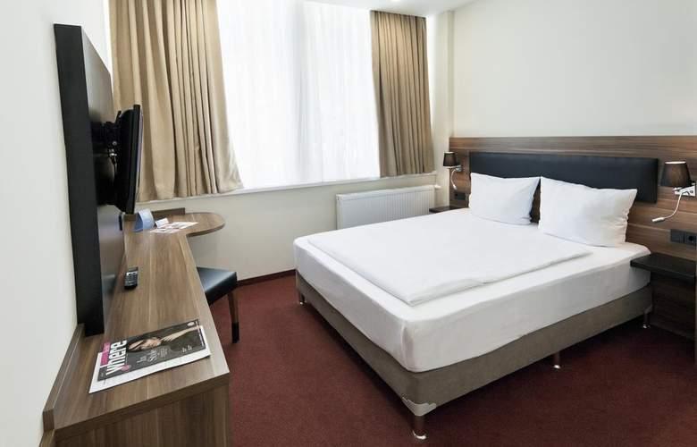 IBB Blue Hotel Berlin-Airport - Room - 9