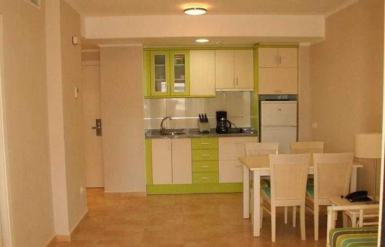 Esmeralda Suites Apartamentos - Room - 4