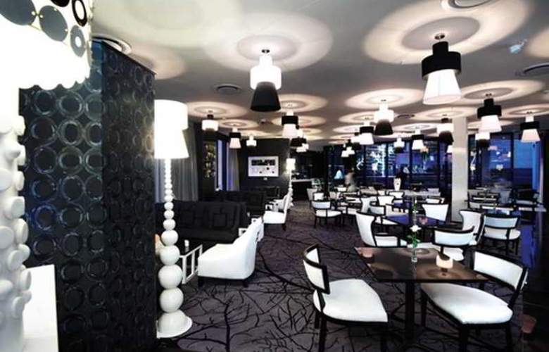 DaVinci Hotel & Suites on Nelson Mandela Square - Restaurant - 2