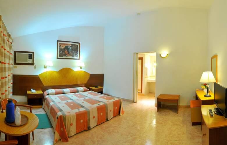 Cubanacan Versalles - Room - 2