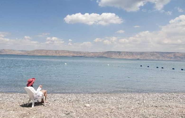 The Rimonim Galei Kinneret - Beach - 13