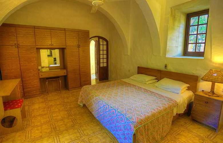 Cornucopia - Room - 13