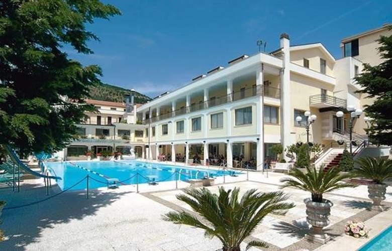 Parco Delle Rose - Hotel - 4