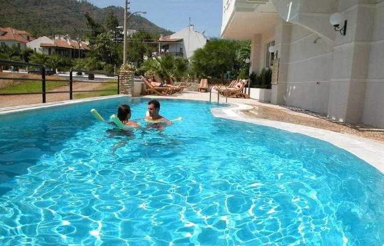 Markiz Hotel - Pool - 5
