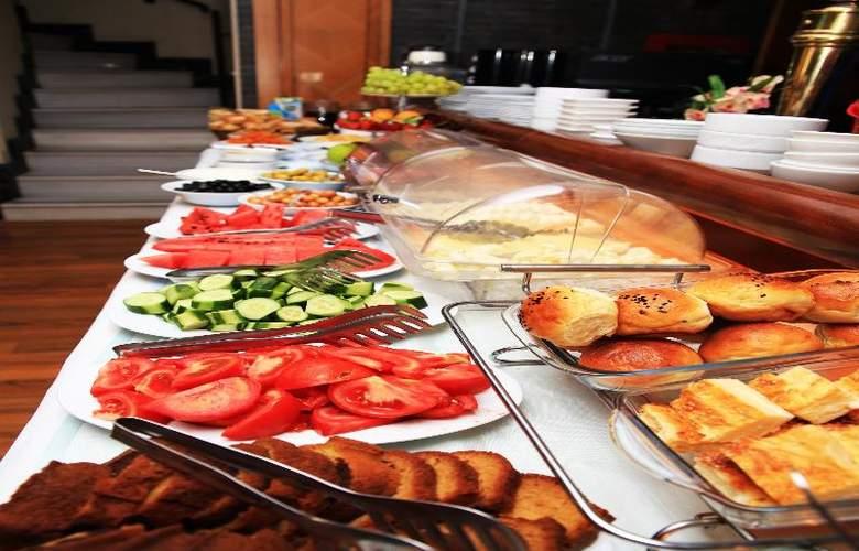 Santa Ottoman - Restaurant - 16