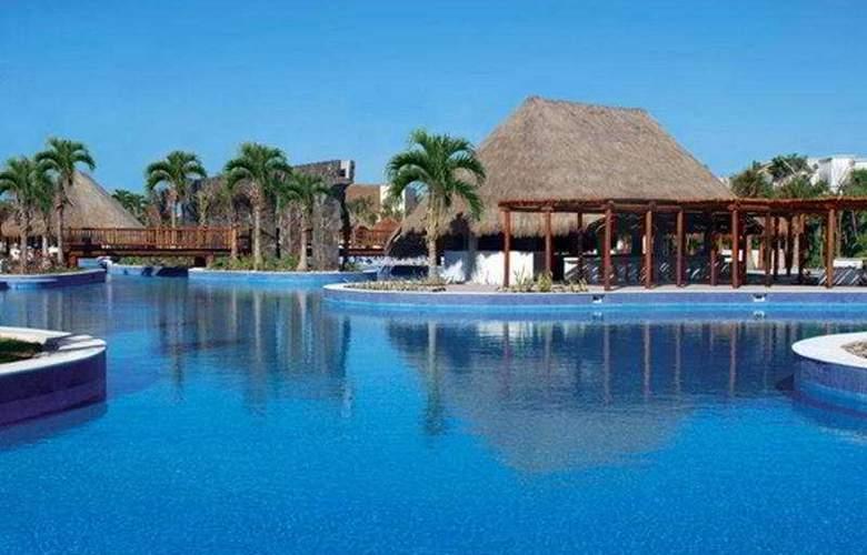Valentin Imperial Maya Resort & Spa - Pool - 13