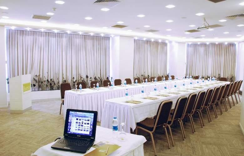 Blanca - Conference - 8