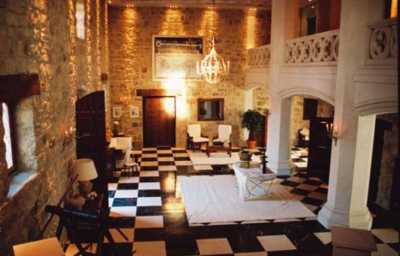 Château Pago De Cirsus - Hotel - 3