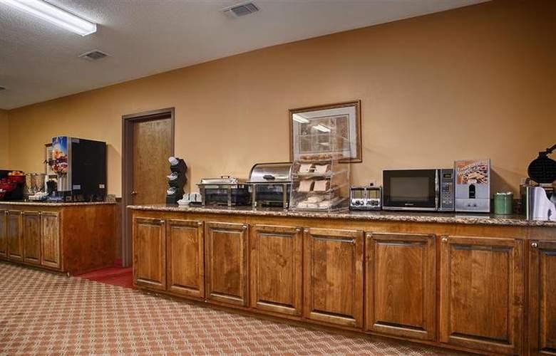 Best Western Woodstone - Restaurant - 68