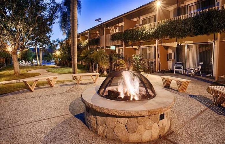 Best Western Plus Pepper Tree Inn - Hotel - 22