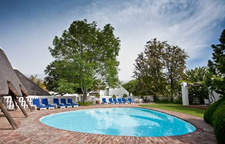 Protea Hotel Oudtshoorn Riempie Estate - Pool - 11