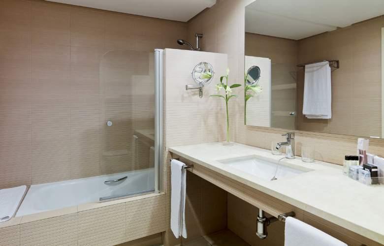 H10 Estepona Palace - Room - 11