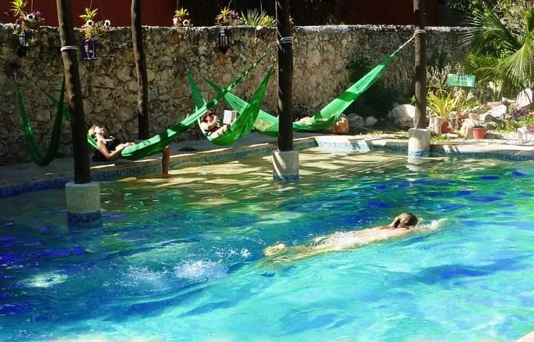 Hotel del Peregrino - Pool - 2