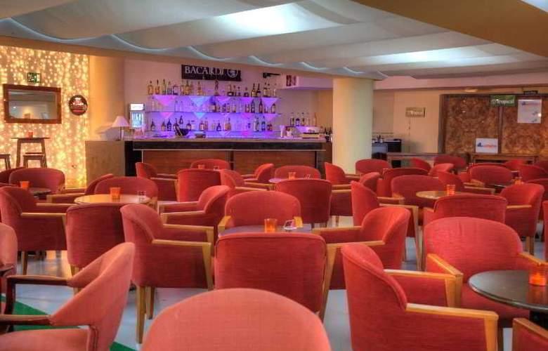 Gran Turquesa Playa Resort (Hotel **** y Apartamentos 1 Llave) - Bar - 10