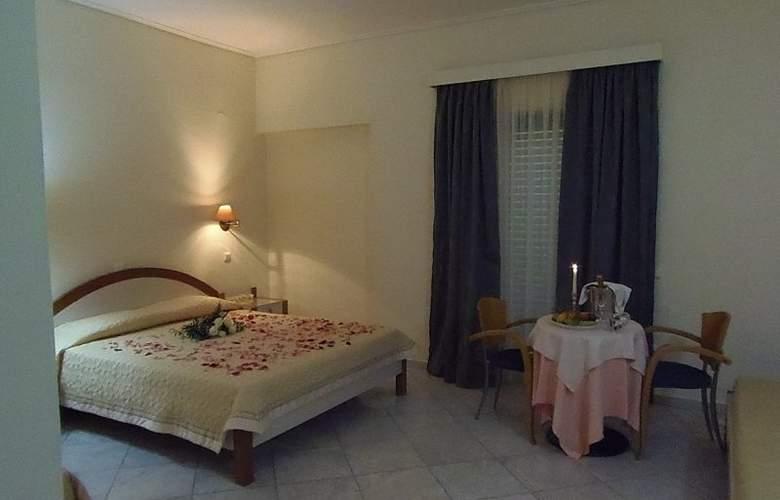 Yakinthos - Room - 10