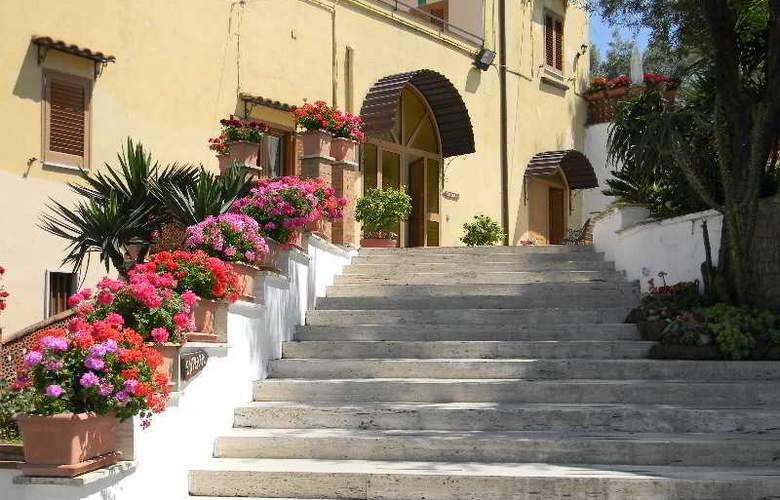 Oasi Madre Della Pace - Hotel - 8