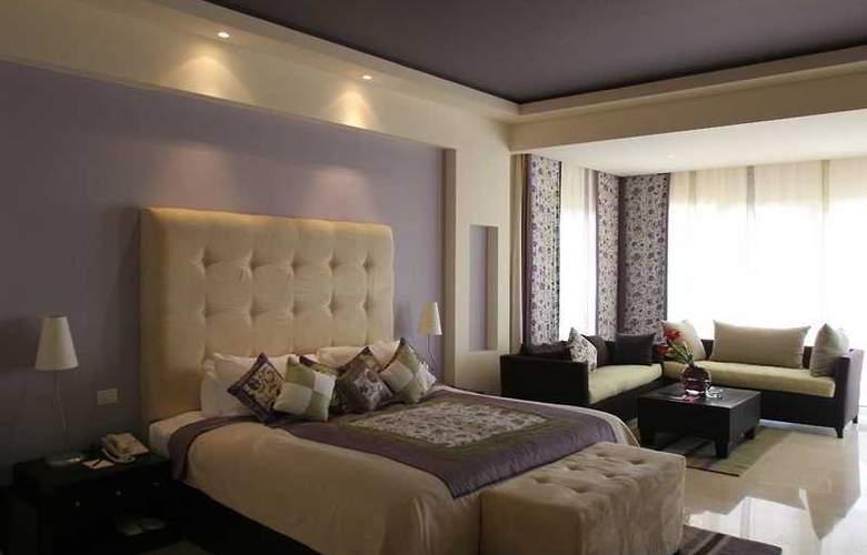 Grand Rotana Resort - Room - 3