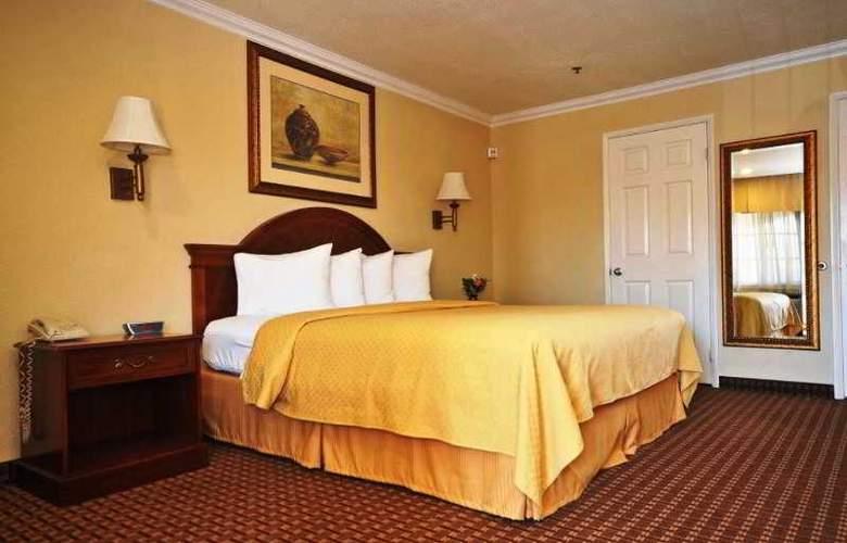 Quality Inn - Room - 1