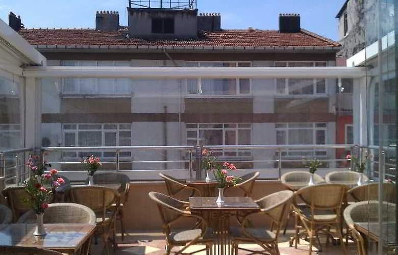 Serdivan Hotel - Terrace - 23