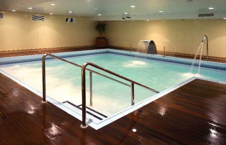 Hotel y Apartamentos (3LL) Lodomar Spa & Talasoterapia - Pool - 9