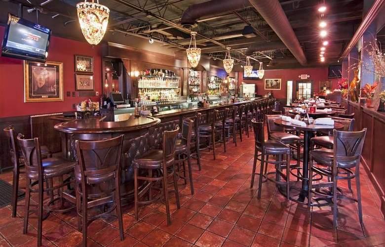Best Western Plus White Bear Country Inn - Restaurant - 111