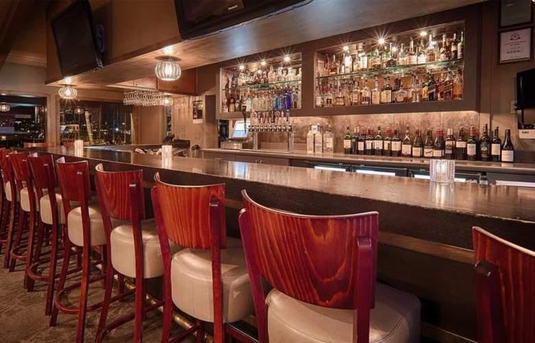 Island Palms Hotel & Marina - Bar - 59