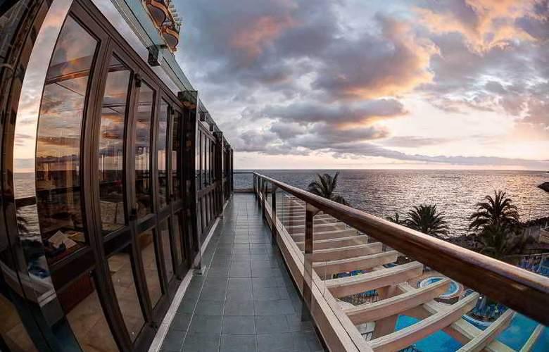 Dorado Beach Aparthotel - Terrace - 14