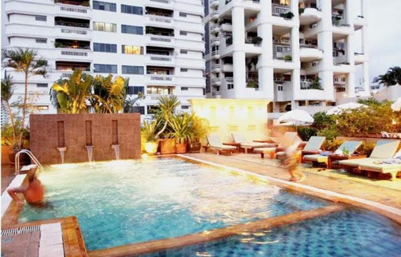 Woraburi Sukhumvit Hotel & Resort - Pool - 17
