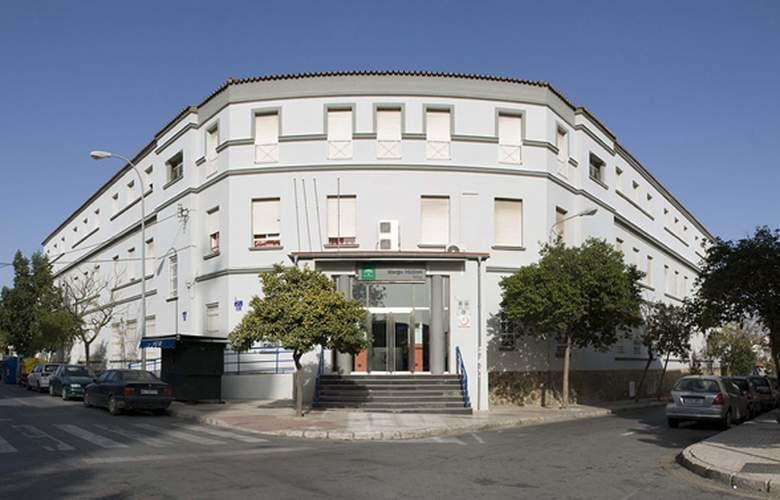 Albergue Inturjoven Malaga - Hotel - 0