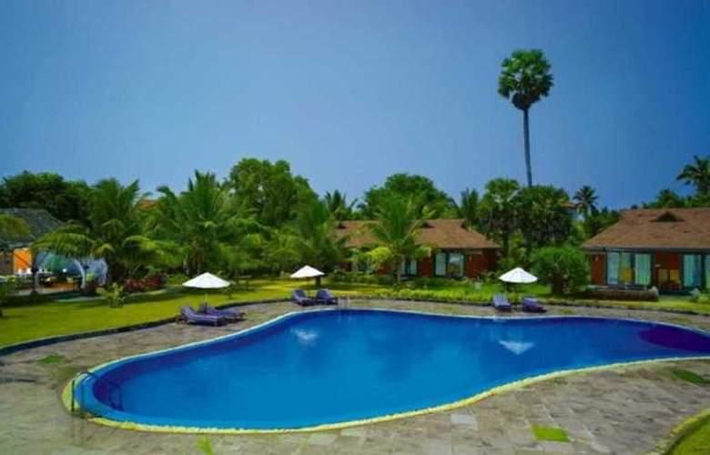 Poovar Island Resort - Pool - 7