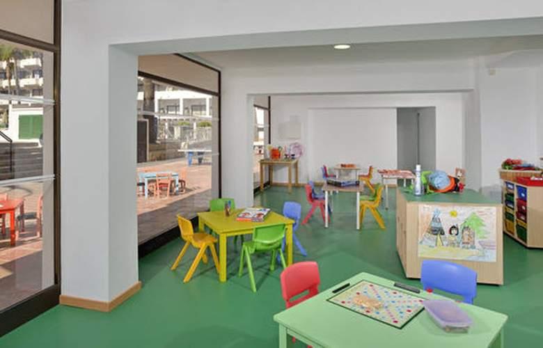 Sol Alcúdia Center Hotel Apartamentos - General - 2