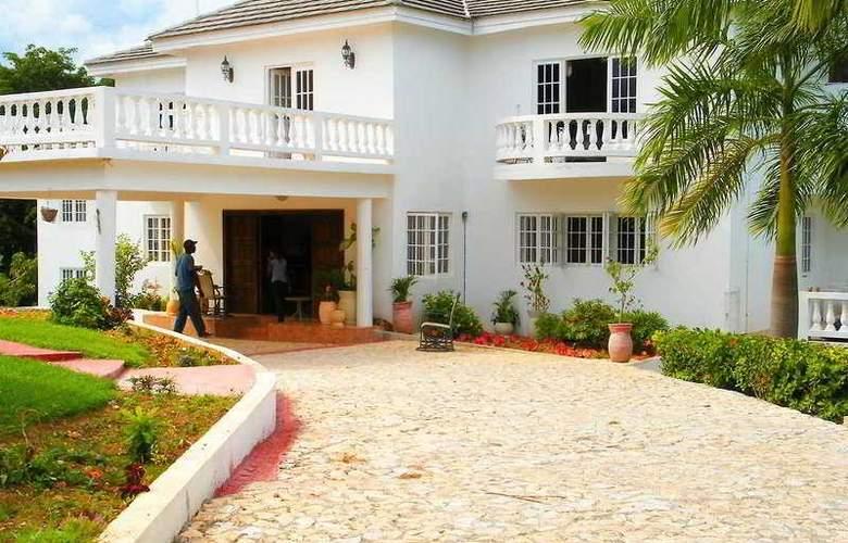 Emerald Villas - Hotel - 0