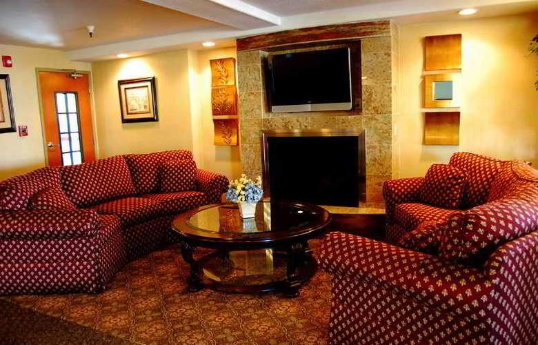 Clarion Hotel Renton - Room - 5