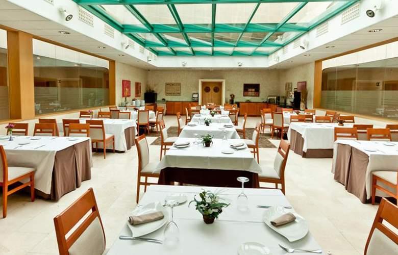 Exe Gran Hotel Almenar - Restaurant - 2