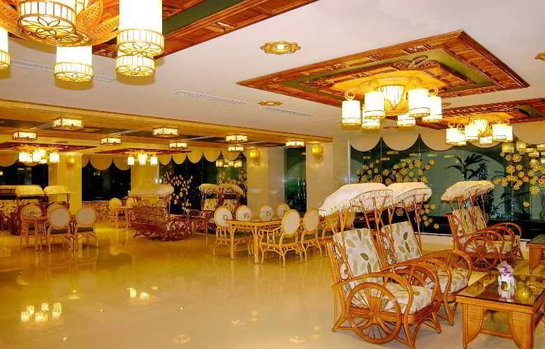 Green World Hotel Nha Trang - Bar - 4