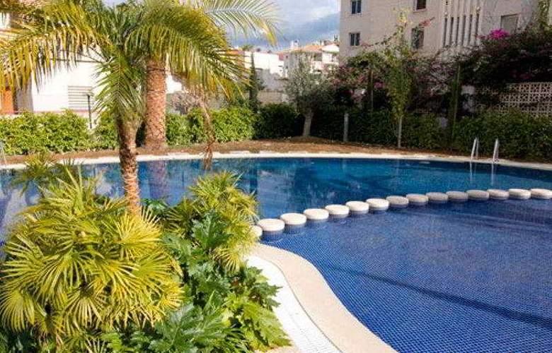 Boulevard Apartamentos - Pool - 8
