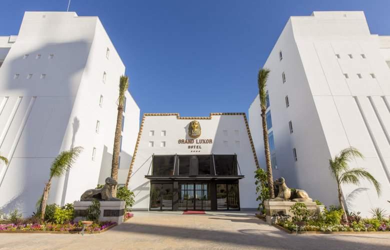 Grand Luxor - Hotel - 17