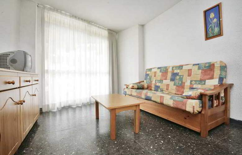 Apartamentos Marina - Room - 1