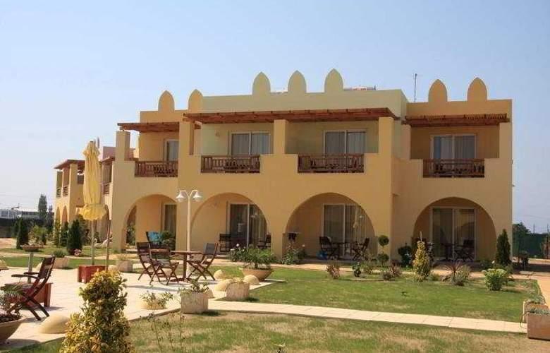 Gaia Palace - Hotel - 0